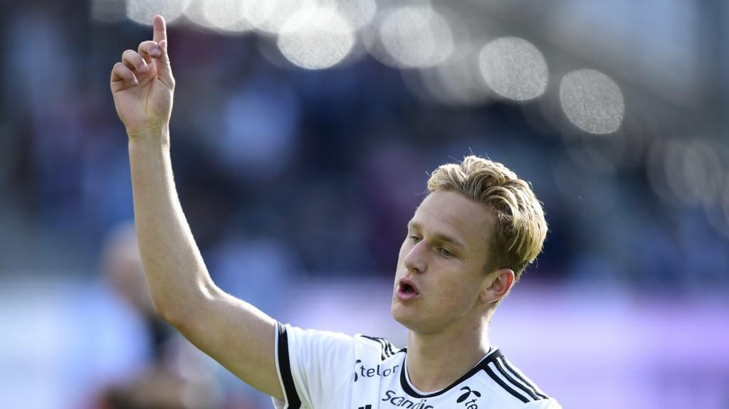 MATCHVINNER: Erik Botheim (18) ble matchvinner i sin første kamp fra start for Rosenborg.
