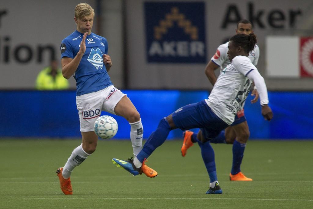 STORSPILL: Erling Braut Håland levert en ny god kamp for Molde da Vålerenga ble sendt hjem med hele 5-1 i kofferten.