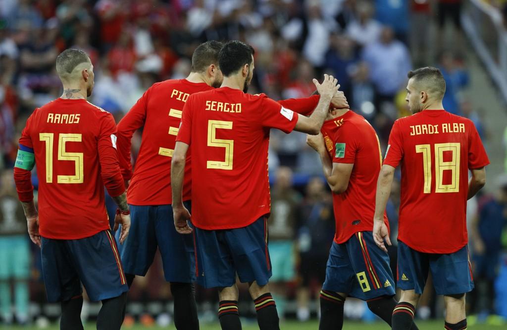 Spania får ny landslagssjef i Luis Enrique. Spanjolene forsvant ut i åttedelsfinalen i årets VM. Foto: Victor R. Caivano / AP / NTB scanpix