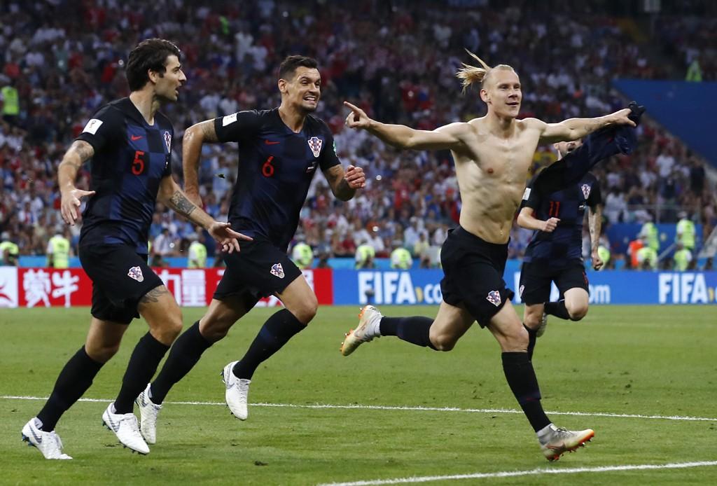 Domagoj Vidas (foran) feiring av VM-kvartfinaleseieren mot Russland kan få konsekvenser. Foto: Manu Fernandez, AP / NTB scanpix
