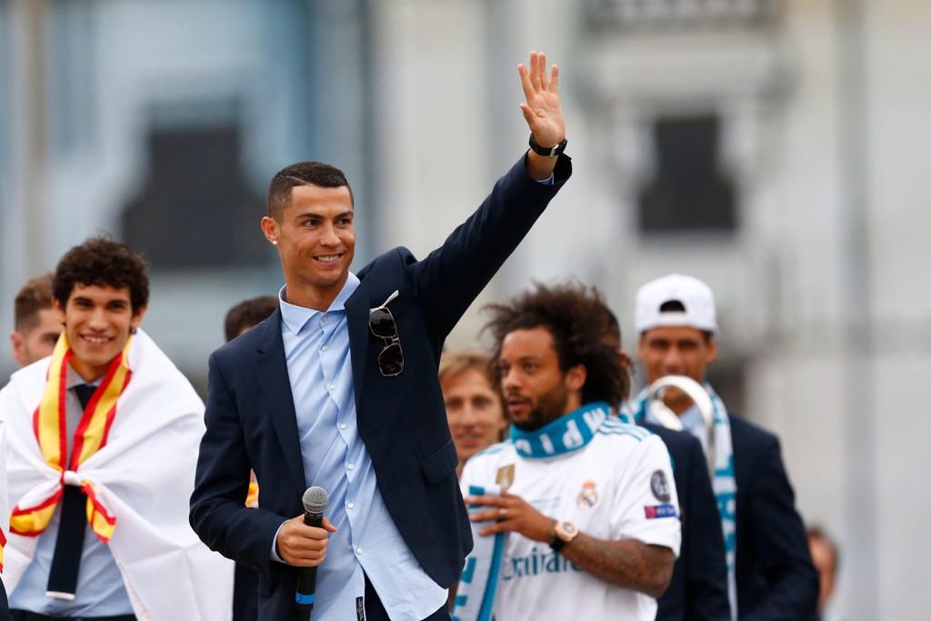 ADJØ: Cristiano Ronaldo takker Real Madrid-fansen.