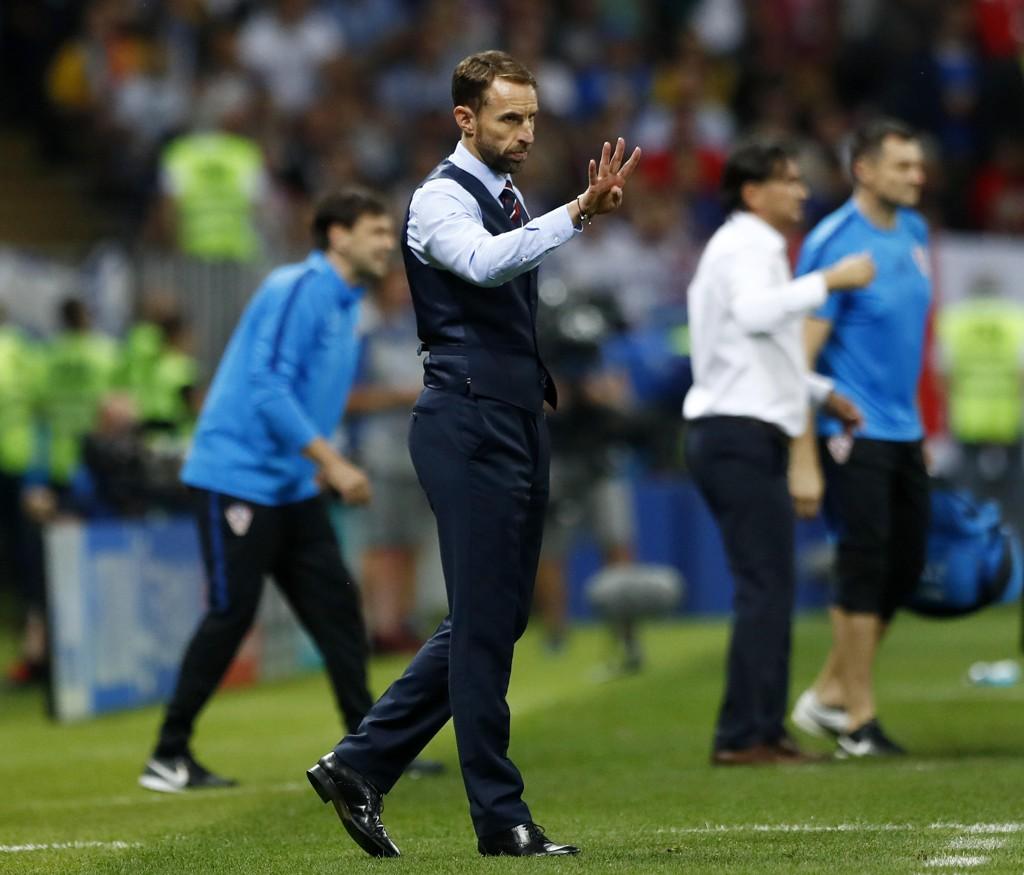 Englands landslagssjef Gareth Southgate så finaledrømmen briste onsdag, men han roste spillerne for å ha gitt alt i jakten på seier. Foto: Matthias Schrader, AP / NTB scanpix