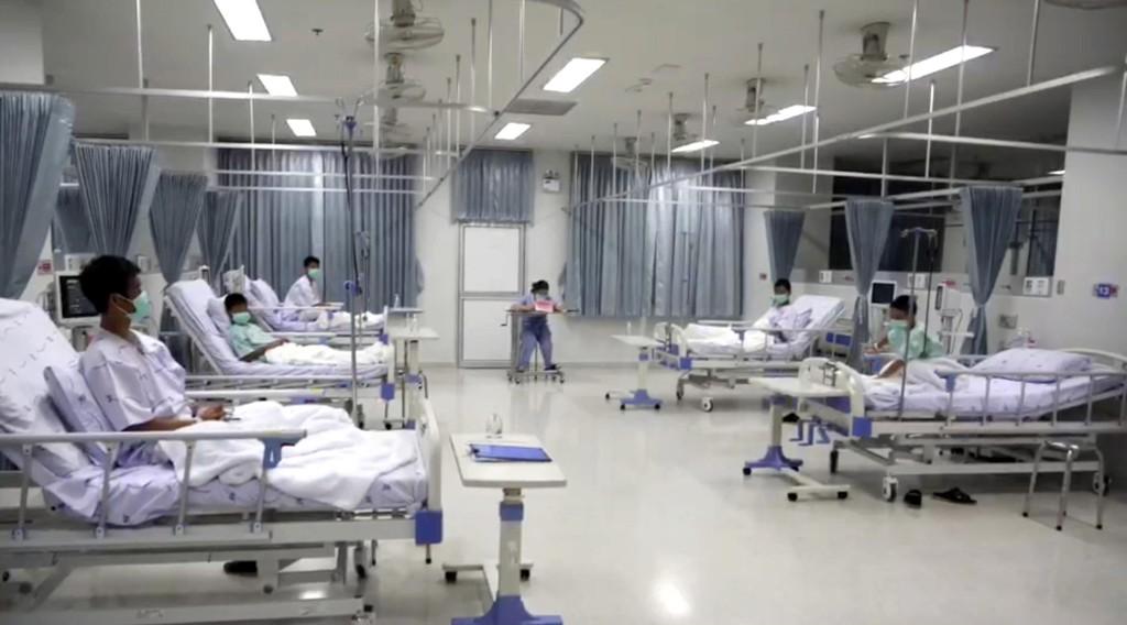 Et videoopptak gjort på sykehuset fredag ble vist fram under en pressekonferanse lørdag. Foto: AP / NTB scanpix