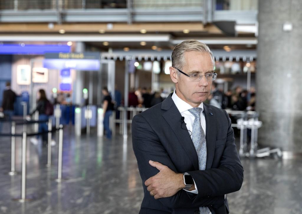 SAS-sjef Rickard Gustafson må innse at selskapet må innstille flere flygninger denne sommeren. Foto: Gorm Kallestad / NTB scanpix