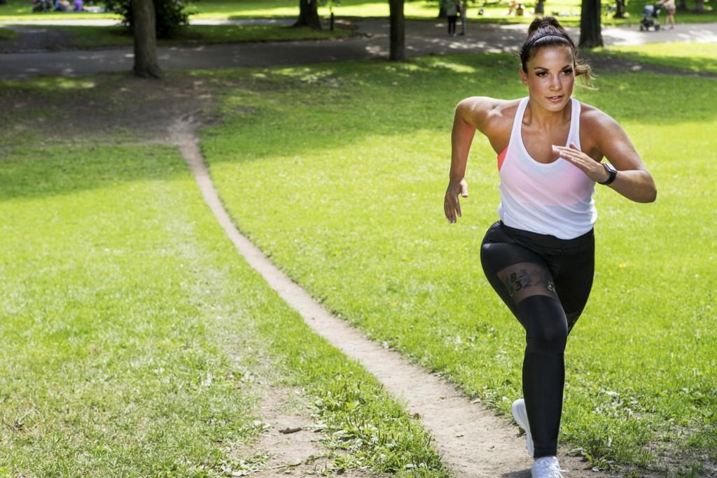 TRENINGSMYTER: Bør man trene før frokost? Er det lurt å begynne med kardio eller styrketrening for best mulig effekt av treningsøkta? Vi tar for oss fire treningsmyter.