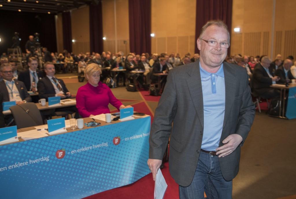 Frp nestleder Per Sandberg på vei til talerstolen under landsmøte. Foto: Vidar Ruud / NTB scanpix