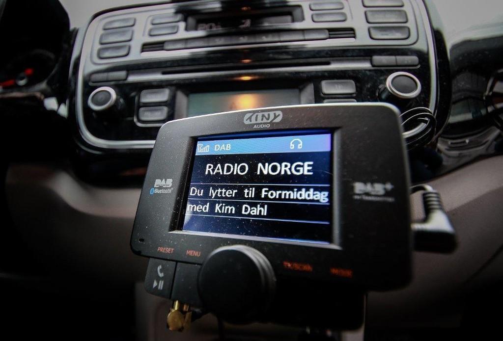 Overgangen fra FM til DAB har skapt en massiv lytterflukt for radiokanalene.