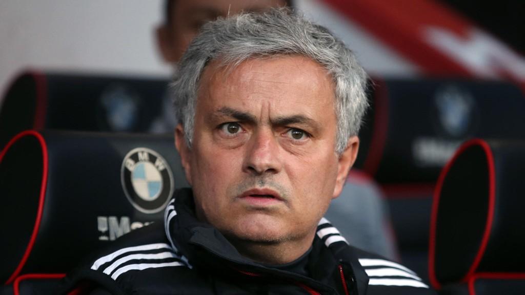 ER HAN RIKTIG FOR UNITED? José Mourinho må få gode resultater for Manchester United, tidlig i høst.