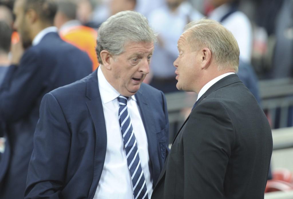 Roy Hodgson (til venstre) har forlenget manageravtalen med Crystal Palace. Foto: Terje Pedersen / NTB scanpix