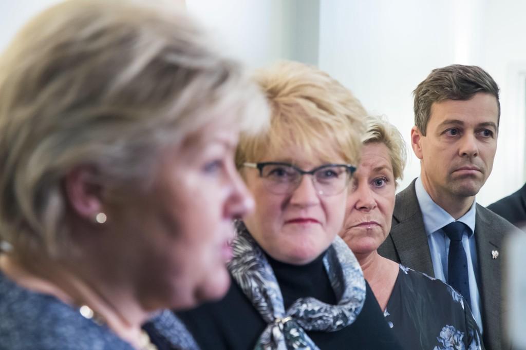 Kristelig Folkepartis leder Knut Arild Hareide (t.h) mener at Erna Solbergs regjering burde tatt tydelig avstand fra at statsråder markerer Irans nasjonaldag. Foto: Heiko Junge / NTB scanpix