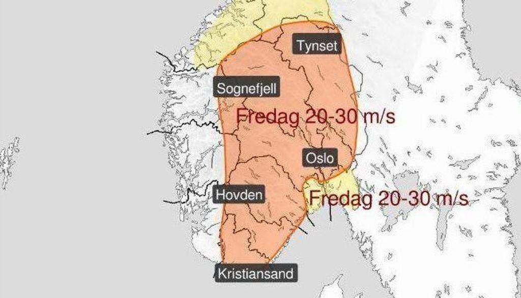 Stormen som herjer på Østlandet fredag er ventet å trekke nordover i løpet av kvelden.
