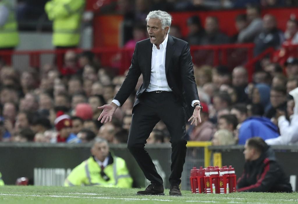 MISFORNØYD: José Mourinho kommer med flere stikk mot egen klubbledelse.