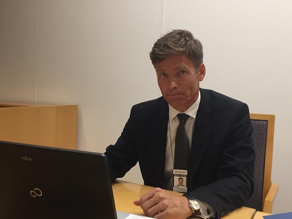 TROR IKKE HAN DREPTE: Politiadvokat Pål-Fredrik Kraby opplyste torsdag at politiet ikke lenger tror at John Edvin Lie drepte mannen i 30-årene som ble funnet død i Maridalen i juli.