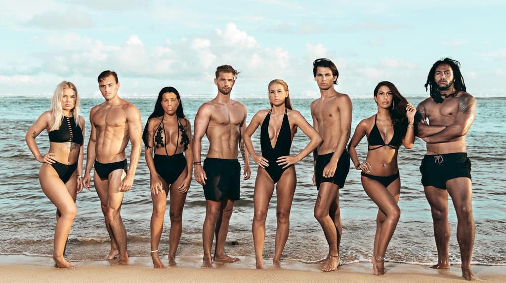 SKAPER OVERSKRIFTER: Selv om det norske folk for lengst har sluttet å la seg sjokkere av at deltakere i reality-programmer har sex på TV, skaper konseptet «Ex on the Beach» overskrifter i sin første norske sesong. Her er de første åtte deltakerne i serien avbildet.
