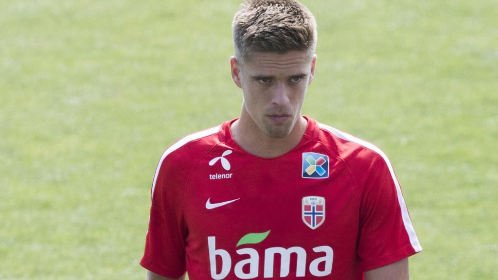 STEMNINGEN ER SNUDD: Markus Henriksen begynner å overbevise Hull-fansen etter en treg start.