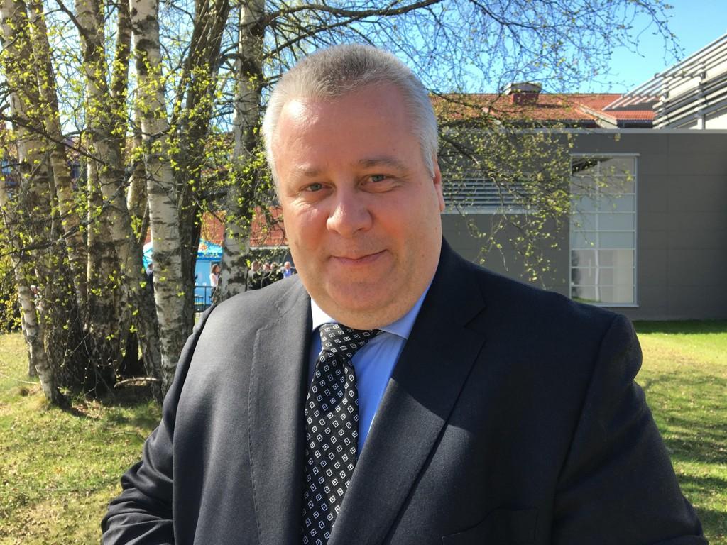 Landbruks- og matminister Bård Hoksrud (Frp) er vag i frohold til menneskapte klimaendringer, ifølge Dagsavisen.