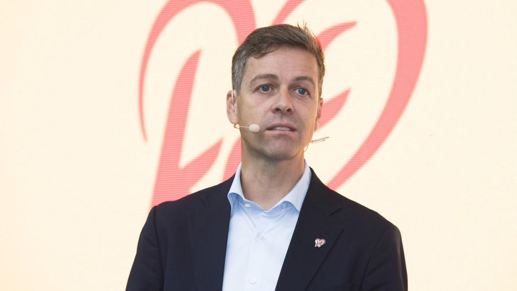 Knut Arild Hareide, partileder i KrF, må konstatere at bare 57 prosent av dem som stemte KrF i fjor sier de ville gjort det nå. Foto: Ørn Borgen / NTB scanpix