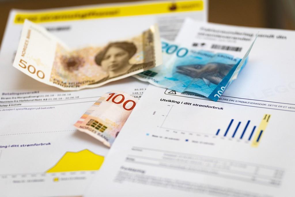 HÅVER INN: Tross digitale løsninger, tjener bedriftene godt på papirfakturering.