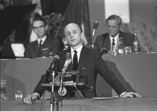 I 1970 ble Willoch valgt til Høyre-formann.