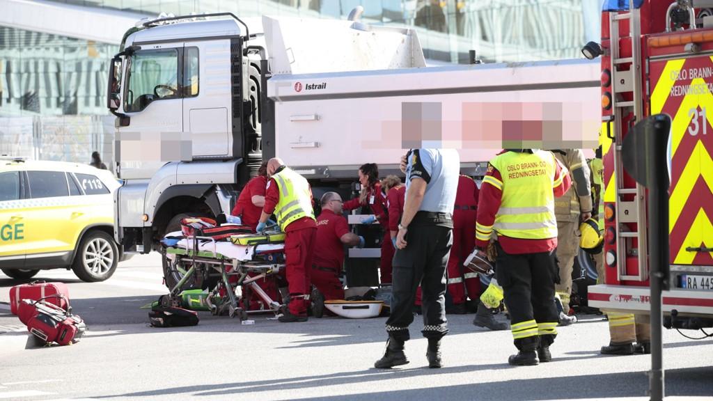 OMKOM: En kvinnelig syklist omkom å ha blitt påkjørt av en lastebil i Bjørvika i Oslo. Foto: Håkon Mosvold Larsen / NTB scanpix (NTB scanpix)