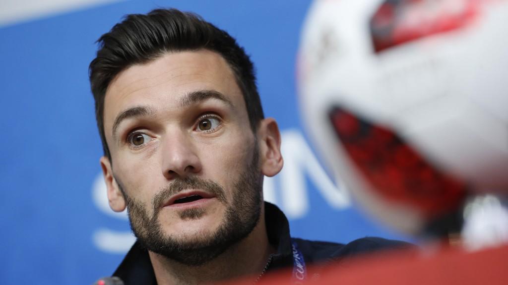 FORTSATT TILLIT: Hugo Lloris beholder kapteinsbindet i Tottenham.