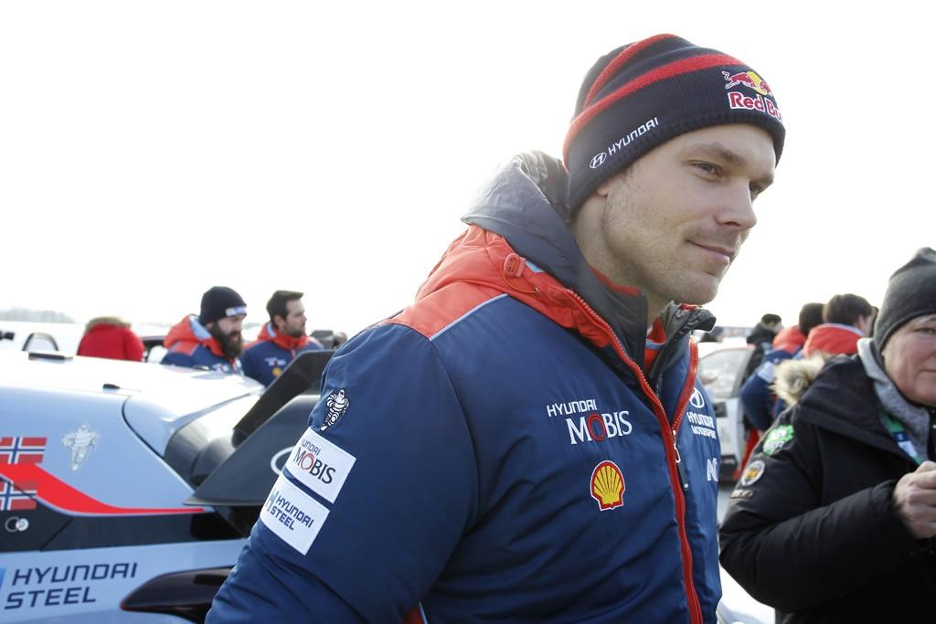 Andreas Mikkelsen fikk en flott start i Rally Tyrkia og vant torsdagens fartsprøve. Dermed starter han fredagens kjøring som leder. Foto: Micke Fransson, TT / NTB scanpix