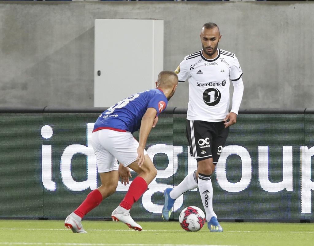 Issam Jebali (t.h.) ble Rosenborgs matchvinner fem minutter på overtid mot Vålerenga. Foto: Terje Bendiksby / NTB scanpix