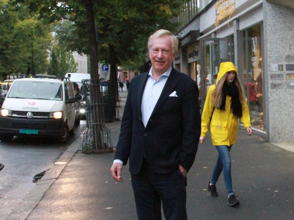 FOLK SKYR SENTRUM: Rundt 1,25 millioner færre besøk i Oslo sentrum er resultatet etter Bilfritt byliv. Nå advarer sentrumshandelen og eiendomsutvikler Carl Erik Krefting mot at butikker og arbeidsplasser forsvinner.