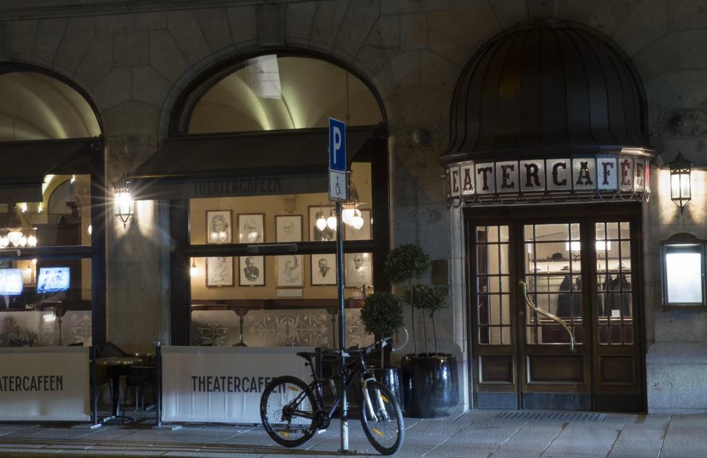 Ærverdige Theatercafeen ligger i Stortingsgaten, vis-a-vis Nationaltheatret.