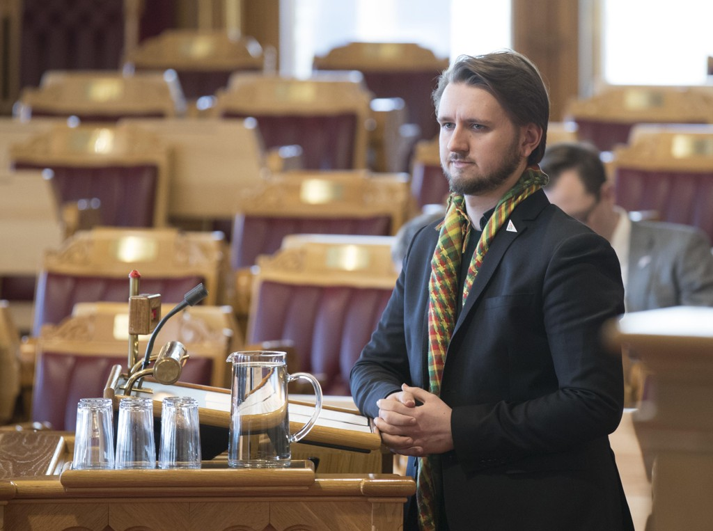 SVs Freddy André Øvstegård etterlyser metoo-penger i regjeringens forslag til statsbudsjett for 2019. Her fra spørretime i Stortinget mars 2018.