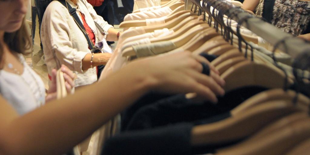 dyrere: prisen på klær stiger.