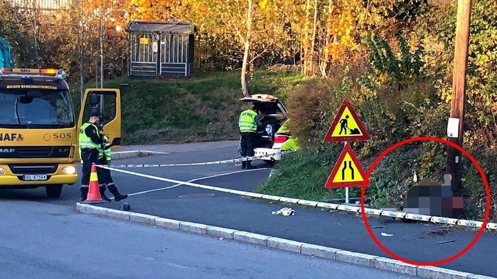 TIL AHUS: Føreren av motorsykkelen som endte i lyktestolpen er fraktet til Ahus for behandling. FOTO: Martin Aanerud Holterhuset.