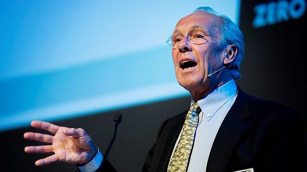 Tidligere rektor ved BI og ledet av Lavutslippsutvalget, Jørgen Randres, vil fase ut norsk oljeproduksjon til ingenting i 2040.