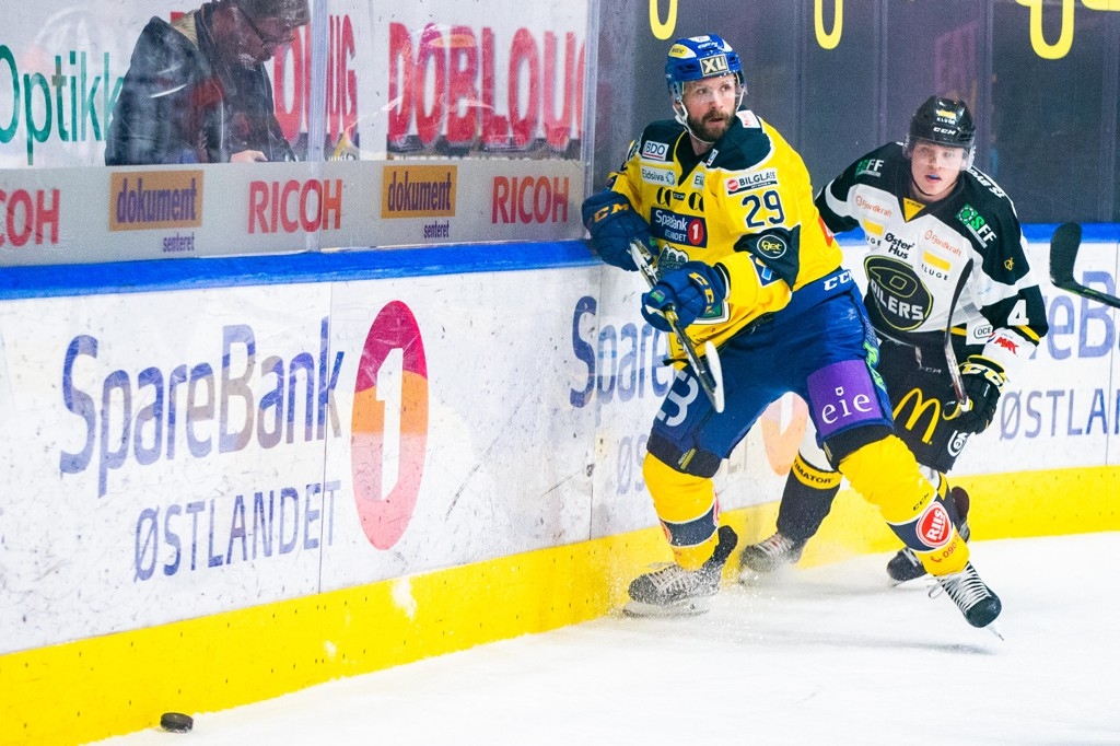 Storhamars Robin Dahlstrøm ble matchvinner borte mot Ringerike etter forlengning. Foto: Fredrik Hagen / NTB scanpix