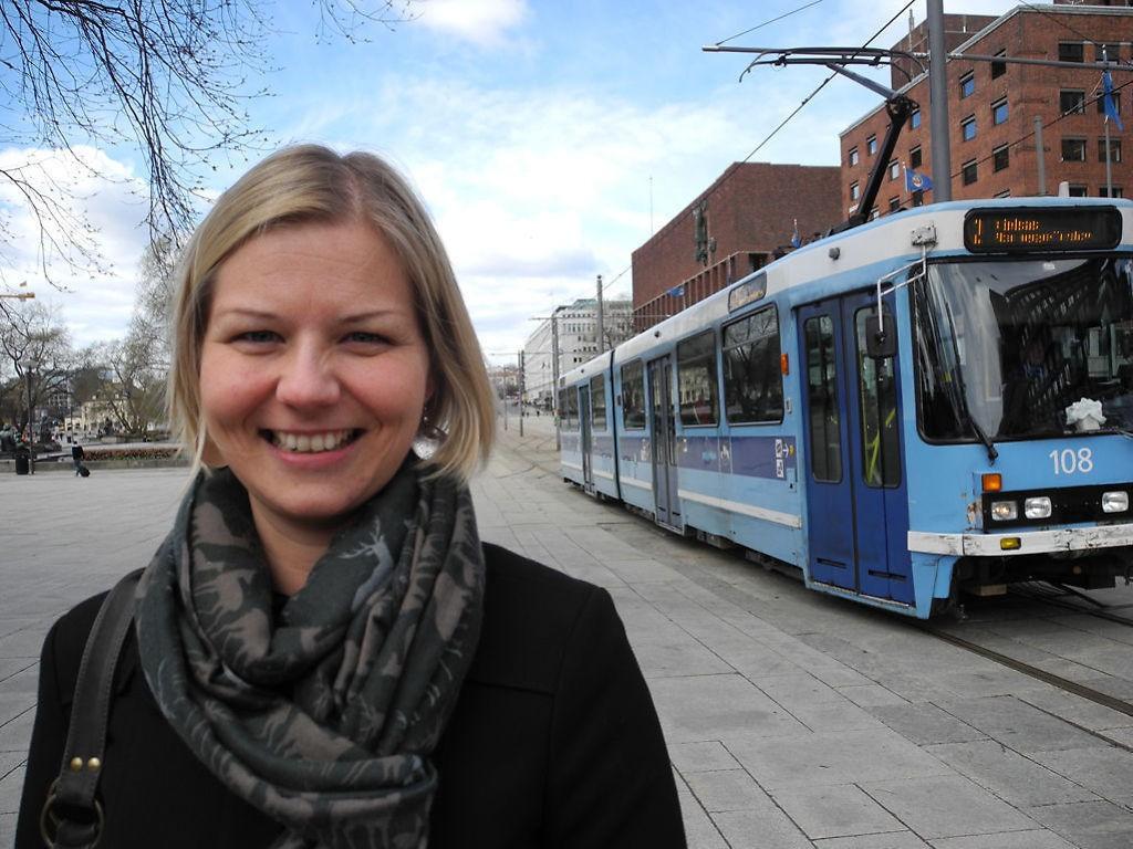 SVAR: Guri Melby svarer Arild Rønsen.
