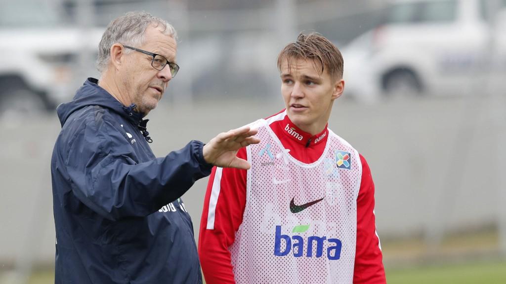 KLAR: Lars Lagerbäck har hentet opp Martin Ødegaard i den norske landslagstroppen.