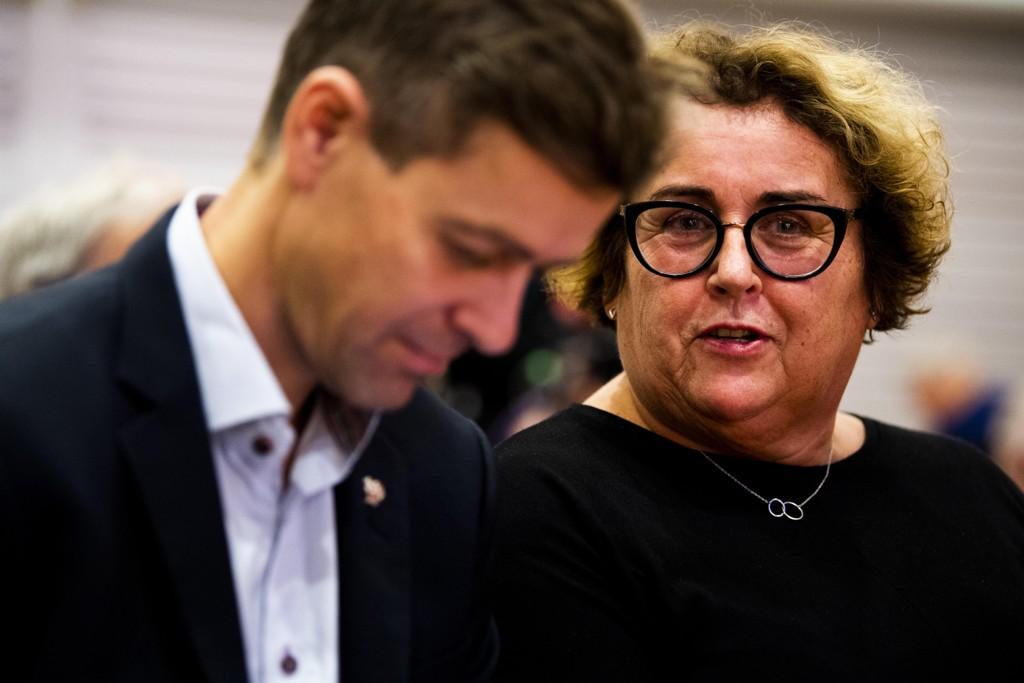 SLAGMARK: KrF-leder Knut Arild Hareide og nestleder, Olaug Bollestad har ulikt syn på retningsvalget. Nå skal lokalpolitikere, fylkespolitikere, sentralstyremedlemmer, partimedlemmer og støttespillere komme med sitt syn.