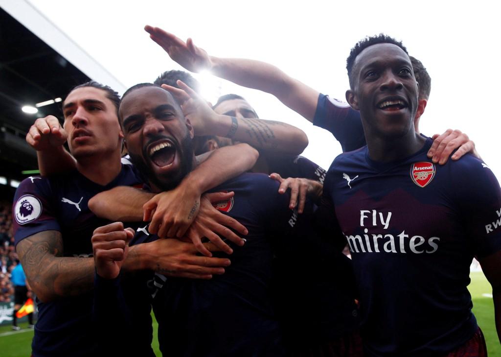 Arsenal og Alexandre Lacazette (midten) smadret Fulham i den siste kampen før landslagspausen. Arsenal vant kampen 5-1 på Craven Cottage.