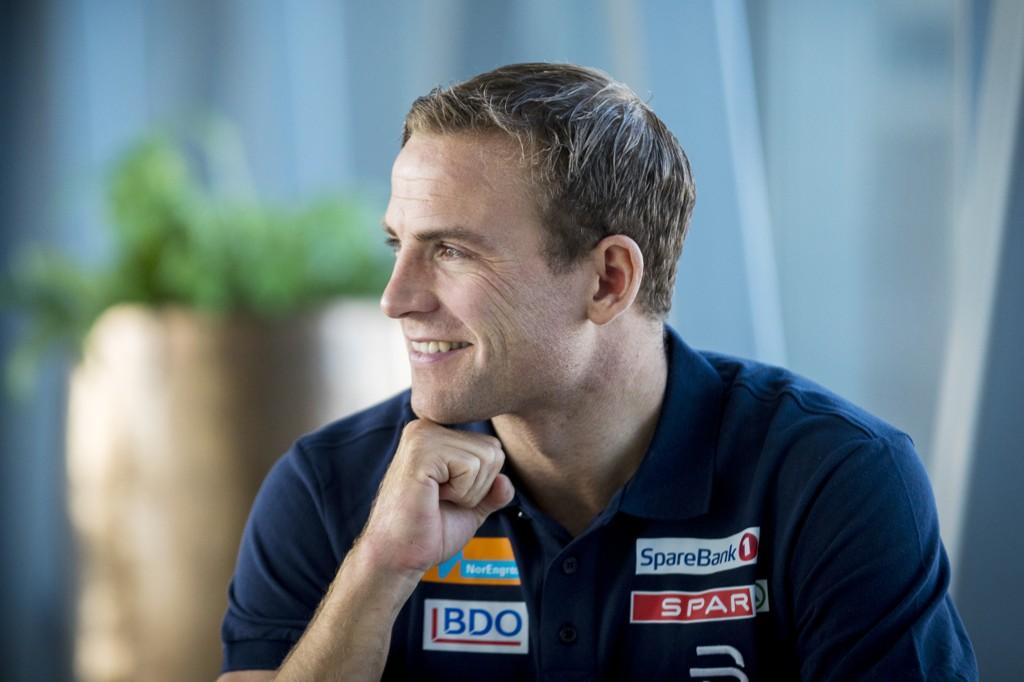 Niklas Dyrhaug er satt tilbake av skader og vet ikke om han kan gå skirenn før jul. De to første konkurransehelgene er helt uaktuelle. Foto: Heiko Junge / NTB scanpix