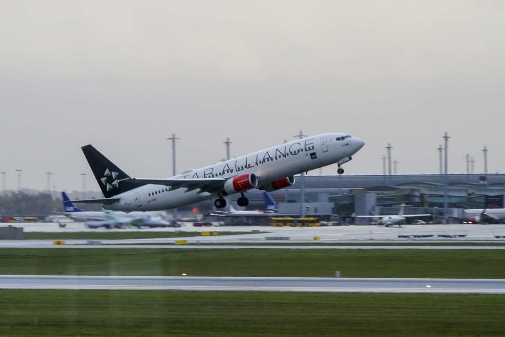 En Boeing 737–883 maskin (LN-RRW) fra SAS tar av fra Oslo lufthavn. Illustrasjonsfoto: Berit Roald / NTB scanpix