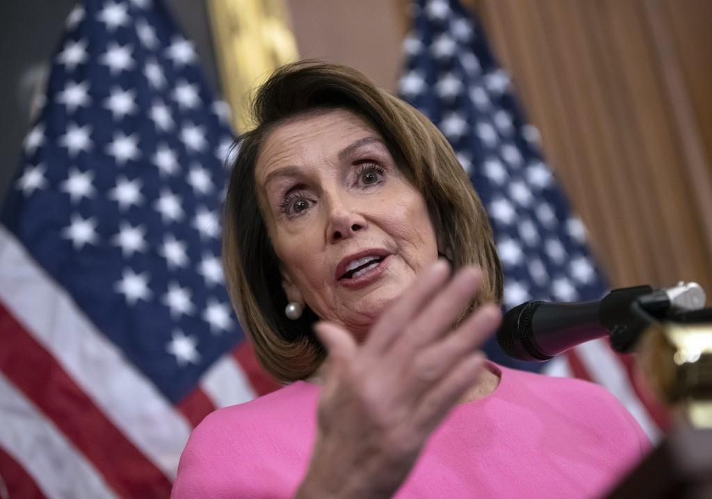Toppdemokraten Nancy Pelosi lover å ta tak i våpenlovene når den nye Kongressen trer sammen. Foto: J. Scott Applewhite / AP / NTB scanpix