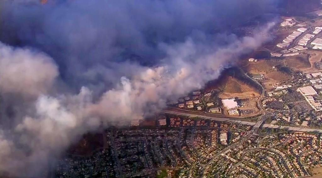 Skogbrannen i California sprer seg raskt, blant annet fordi det er tørt og en god del vind i området.