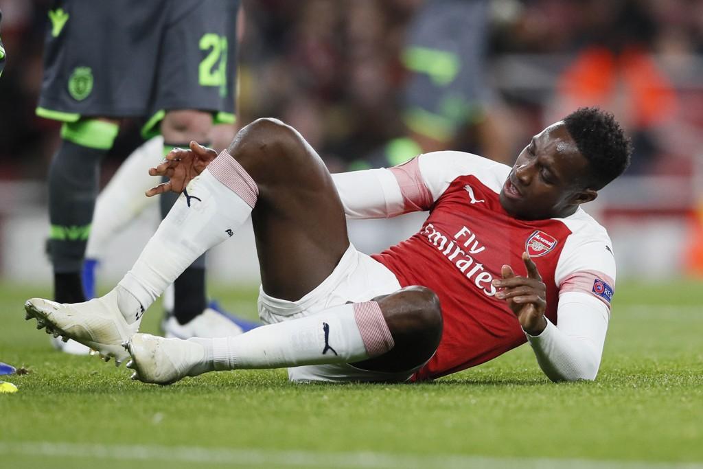 UT MED SKADE: Danny Welbeck pådro seg en brudd i foten - nå frykter Arsenal det verste.