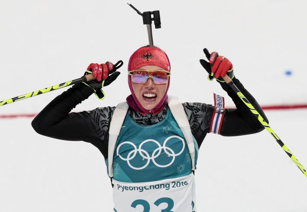Dobbel OL-mester Laura Dahlmeier er tilbake i trening etter sykdomsproblemene som tvang henne til å ta pause, men hun vet ikke når hun stiller i sitt første renn. Foto: Lise Åserud / NTB scanpix