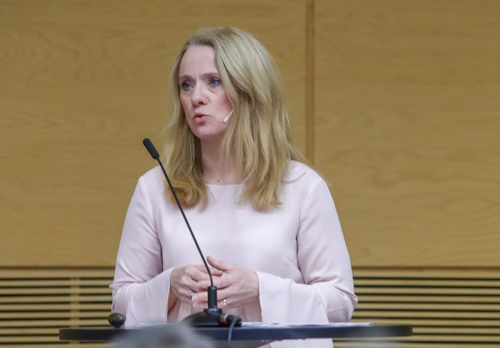 Arbeids- og sosialminister Anniken Hauglie (H) vil forby at trygdemottakere kan ta med seg ytelsene til utlandet, skriver VG. Foto: Terje Bendiksby / NTB scanpix
