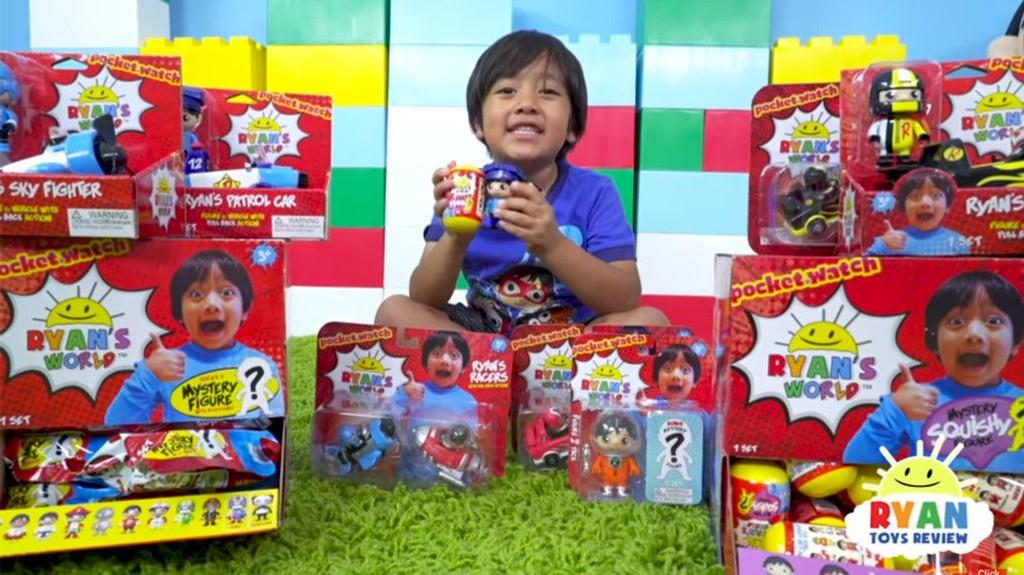 Butikkgiganten Walmart begynte å selge en eksklusiv kolleksjon med leker og klær kalt «Ryan's World». Inntjeningen fra Walmart-avtalen vil trolig ytterligere øke omsetningen til Ryan neste år.