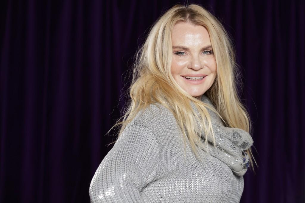 NYTER LIVET: Skuespiller og artist Mia Gundersen (57) deltar i kjendisversjonen av 71 grader nord til våren.