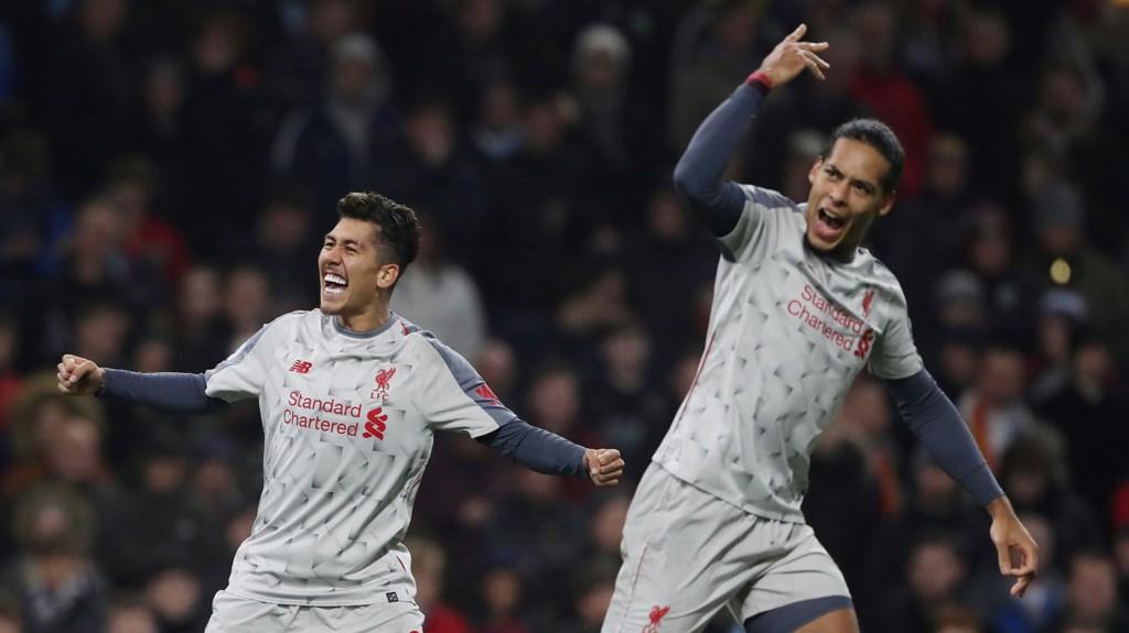 VAR SENTRALE: Roberto Firmino og Virgil van Dijk kombinerte på Liverpools andre mål.