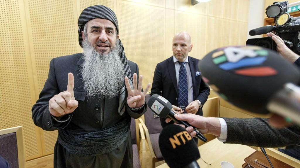 Mulla Krekar i Oslo tingrett under et fengslingsmøte i 2016, da på grunn av fare for at han vil unndra seg rettsforfølgelse i Italia.