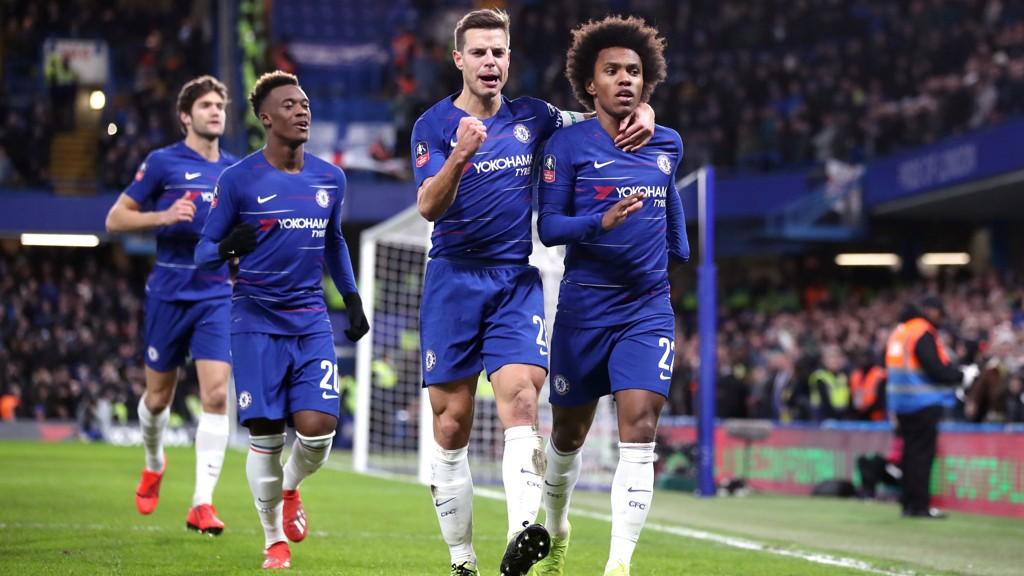 Chelsea-spillerne fikk rundjuling av Bournemouth i midtuken. Lørdag møter de et svakt Huddersfield-lag og de bør vinne.